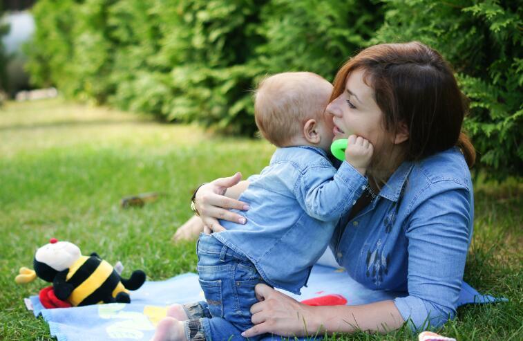 【中介试管婴儿多少钱】_染色体异常和试管婴儿