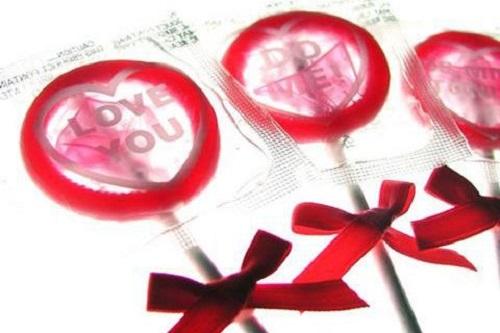 【试管婴儿大约多少钱】_套套对纳米级艾滋病毒无效,干脆不戴?千万别!