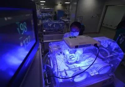 【泰国做试管婴儿】_罕见!试管三胞胎相隔2天出生!专家建议不要盲目追求多胞胎!