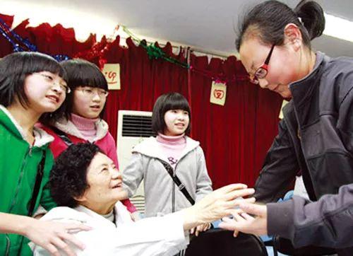 【泰国有做试管婴儿】_中国试管婴儿30年:30年前,他们因试管诞生;如今,宝宝在他们手里诞生