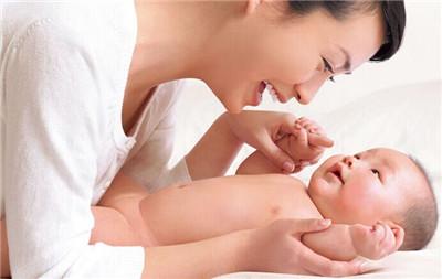 【试管婴儿双胞胎多少钱】_美国试管婴儿流程中囊胚移植的部分常识