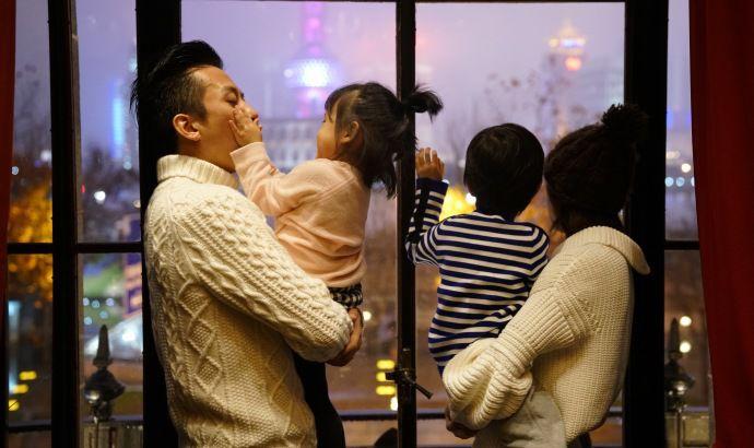 【泰国试管婴儿经历】_【中秋快乐】邓超告诉你,有个女儿是种怎样的体验……