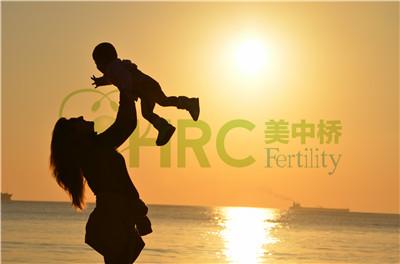 【试管婴儿多少钱明细表】_美国试管婴儿中传统IVF、迷你IVF与自然周期IVF的区别?