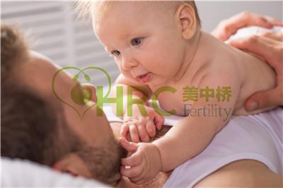 【西安试管婴儿费用】_美国试管婴儿卵裂与胚泡移植哪个适合你?