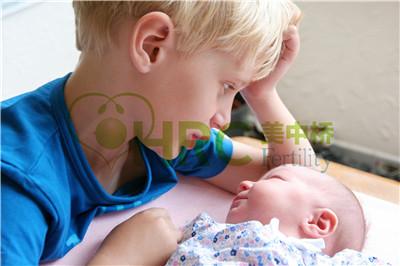 【做一次试管婴儿大概要多少钱】_美国试管婴儿第三天胚胎移植和第五天移植的区别