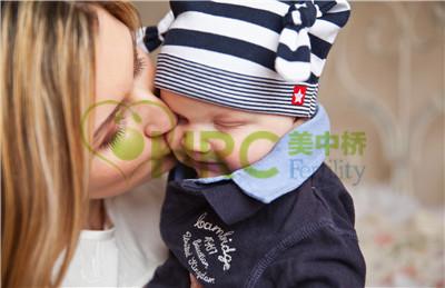 【贵阳试管婴儿费用】_美国试管婴儿的成功率取决于什么?