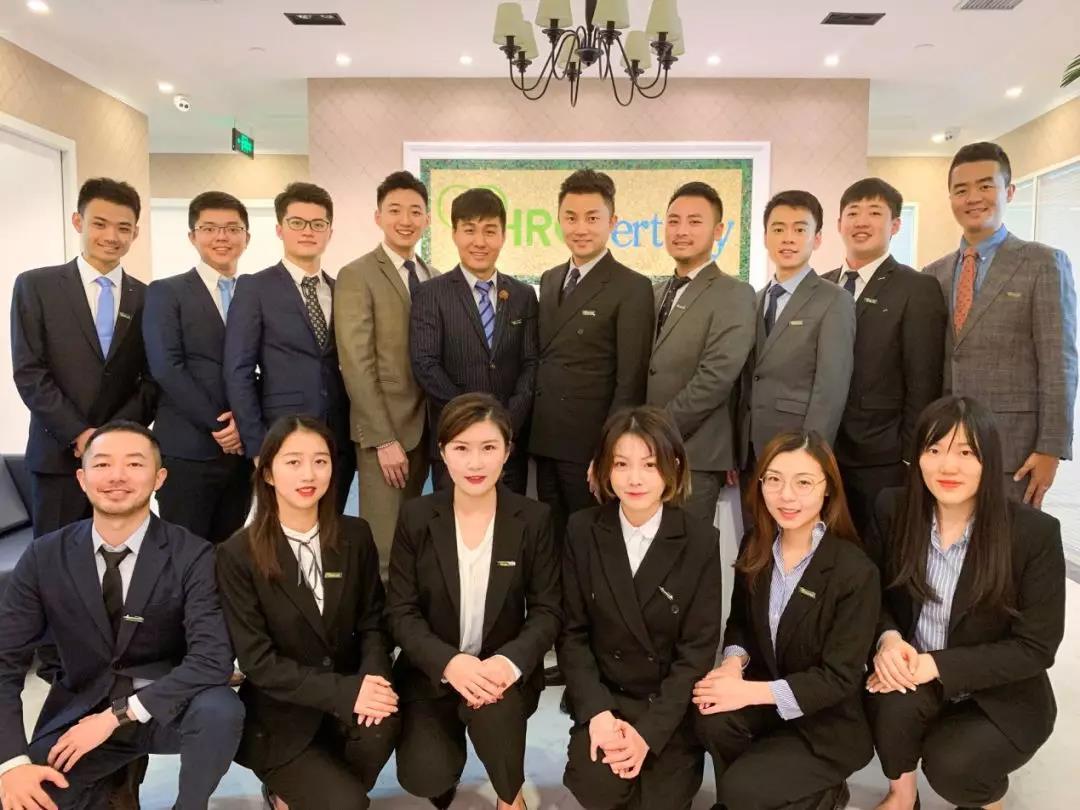 更有我们上海分公司和企划部的帅哥美女们!